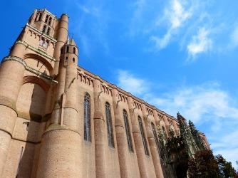 """""""Cathédrale Sainte-Cécile"""", con 113 mts. de largo y 35 de ancho."""