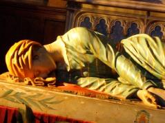 Escultura policromada de Santa Cecilia, patrona de los músicos.