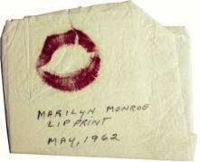 Sus labios en una servilleta