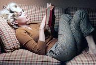 Marilyn leyendo